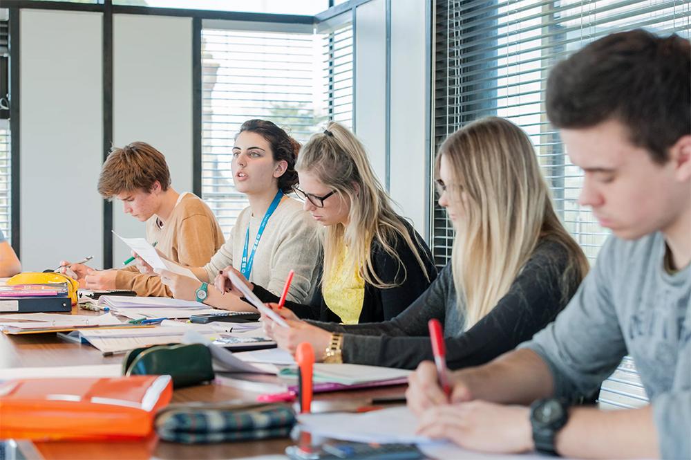 Как привлечь клиентов в учебный центр | Kyivstar Business Hub image №1